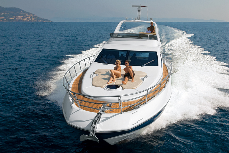 Azimut 64 Flybridge - Evermarine Yacht Sales Panama